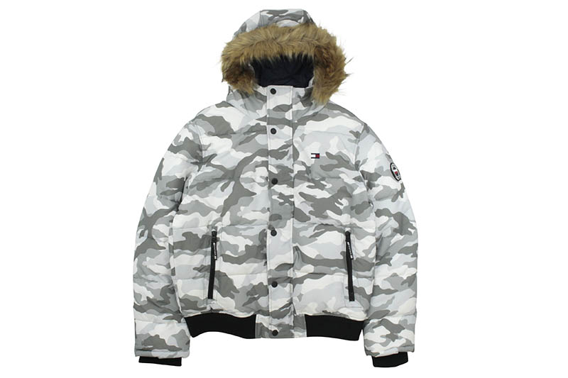 TOMMY HILFIGER ESSENTIALS HOODED BOMBER JACKET (159AP863:WHITE CAMO)
